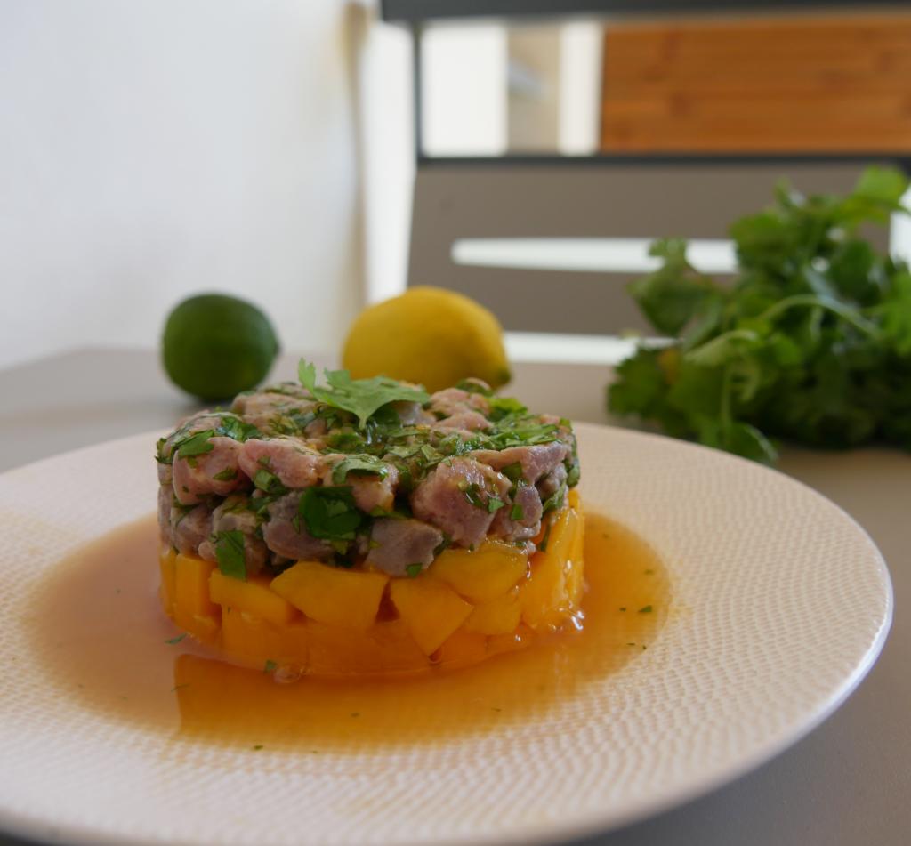 Tartare de thon à la mangue